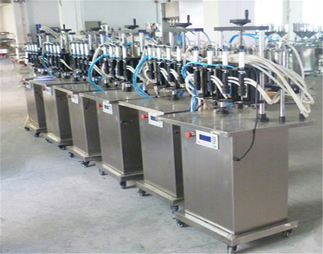 Semi automatic vacuum filling machine for 10-5000ml liquid semi-auto vacuum perfume 4 heads filler equipment